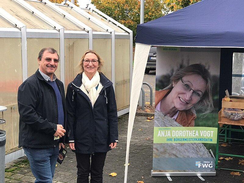Bürgermeisterkandidatin Anja Dorothea Vogt im Gespräch mit Herrn Claus Lau